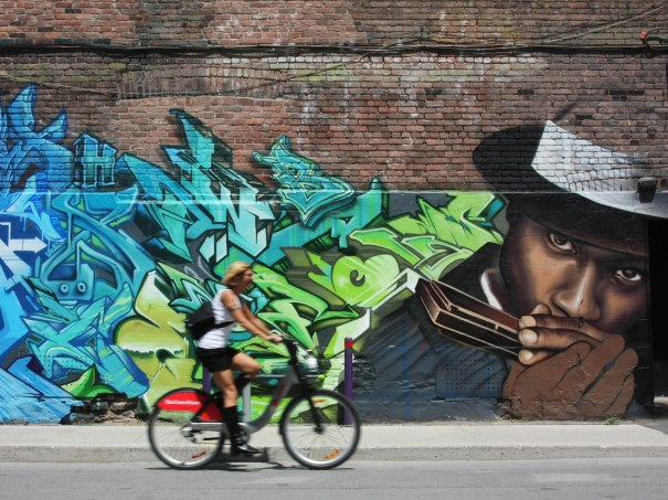 street-art-montreal-cr-alamy